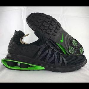 f5a6ba81029 Nike Shoes - Nike Shox Gravity Luxe Green Black AR1470-003